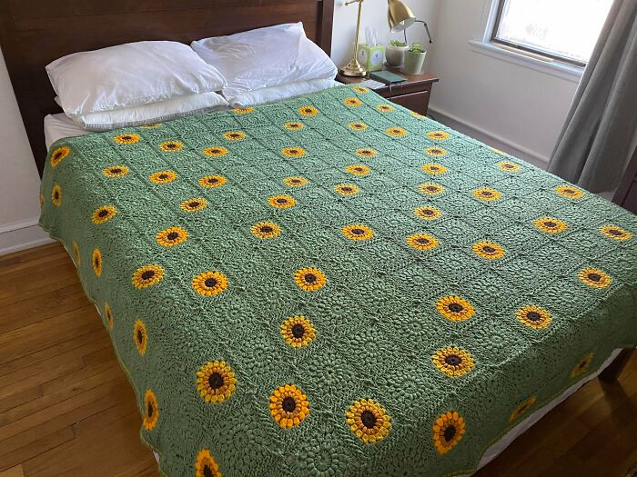 Finally Finished My Sunflower Blanket After About 3 Years... Simply Sunburst Granny Squares With A Flat Braid Join