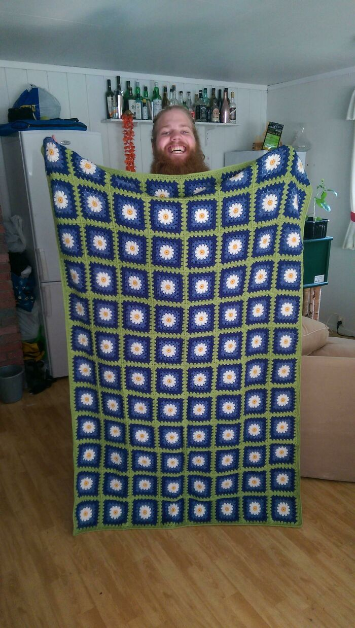 My First [fo]. I Fell In Love With A Girl Who Loves Daisies. She Showed Me A Picture Of A Blanket Like This. I Had No Clue How To Crochet, But She Really Liked That Blanket, So I Knew What I Had To Do