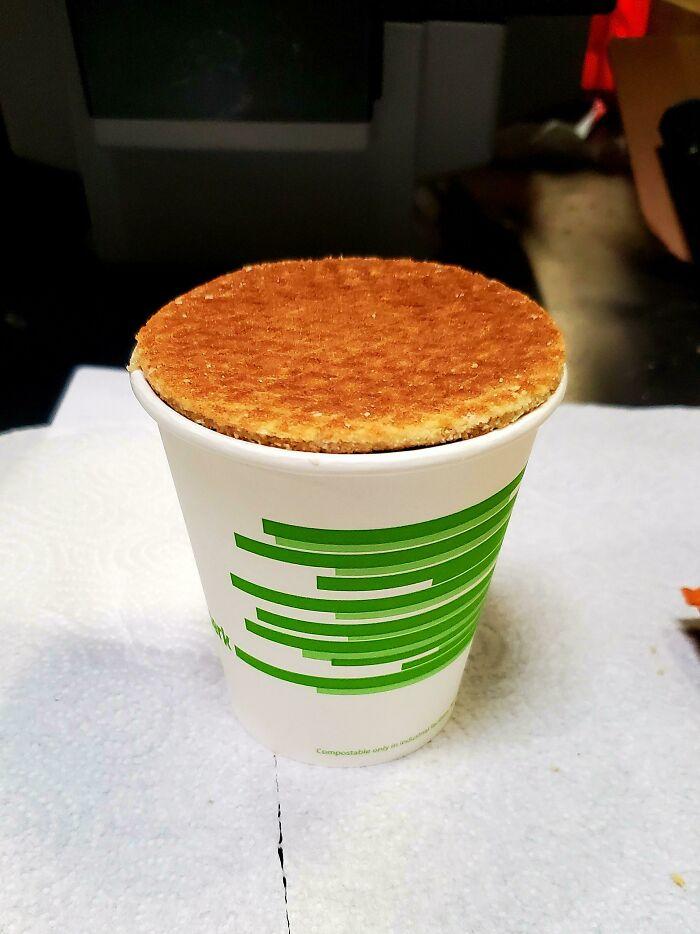 Si fuera más pequeña, no cabría en mi café, pero si fuera más grande, no se calentaría uniformemente