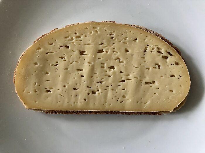 Este queso fue hecho para esta rebanada de pan