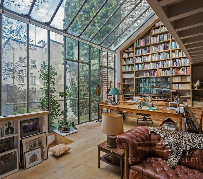 The Architecture Of This Home Office/Library Located In The 13th Arrondissement Of Paris