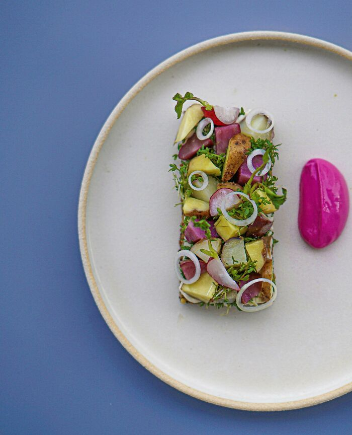 Smørrebrød With Swiss Moutains Potatoes, Vegan Mustard Mayo And Pickled Beetroot Cream