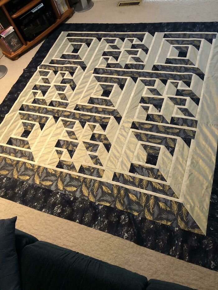 Finished My Labyrinth Walk Quilt Top This Morning. Wasn't Sure About My Fabric Choices For A While, But Now That I See It All Together I'm Pretty Happy