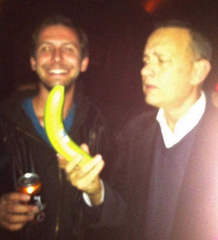 Look Who I Met [Tom Hanks]! Explaining The Banana To Him Was Pretty Awkward, But Banana For Scale