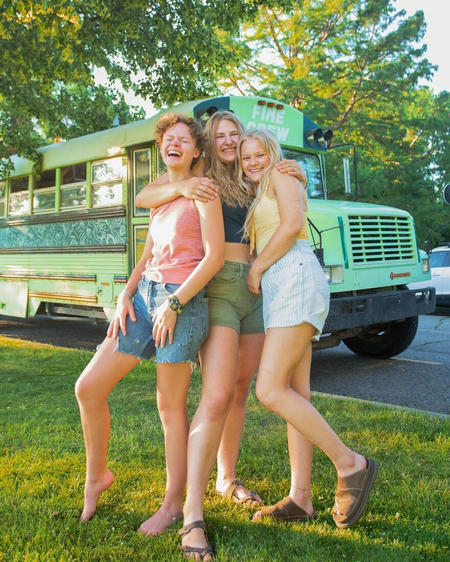 After They Found Out They Were Dating The Same Guy, These Three Girls Renovated A Bus And Traveled Together