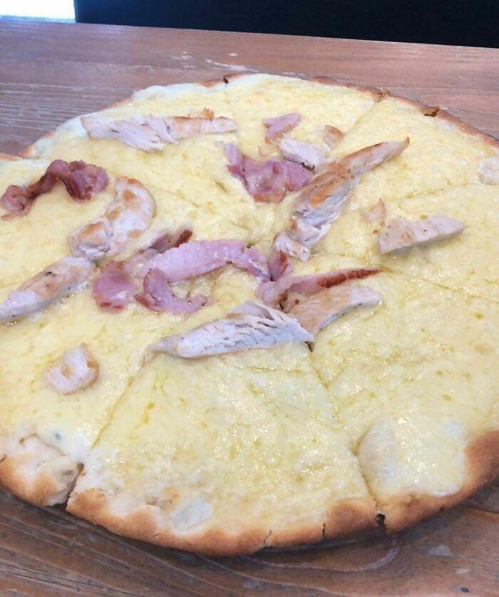 Esta pizza en mi universidad