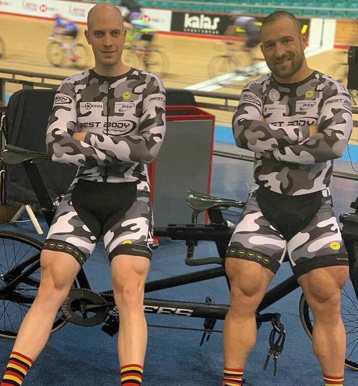 Olympic Cyclist Robert Forstemann (Right) Shows Off Freakish 74 Cm Thighs
