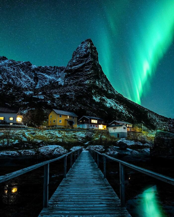 This Photographer Takes Fascinating Pictures Of The Places He Traveled Around The World