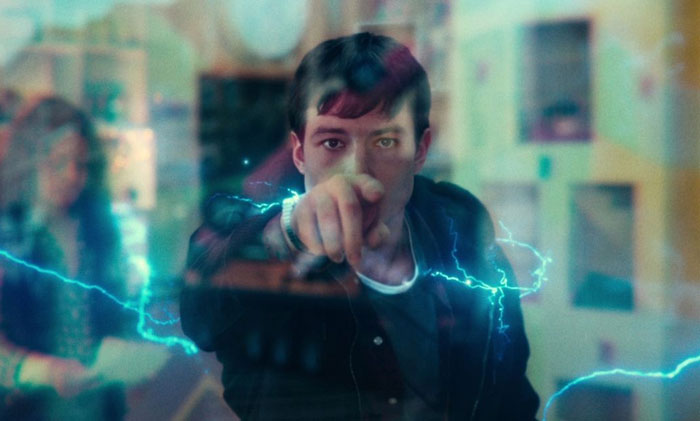 In Zack Snyder's Justice League (2021), Barry Allen Breaks A Window By Merely Touching It. This Is Because Windows No Longer Supports Flash