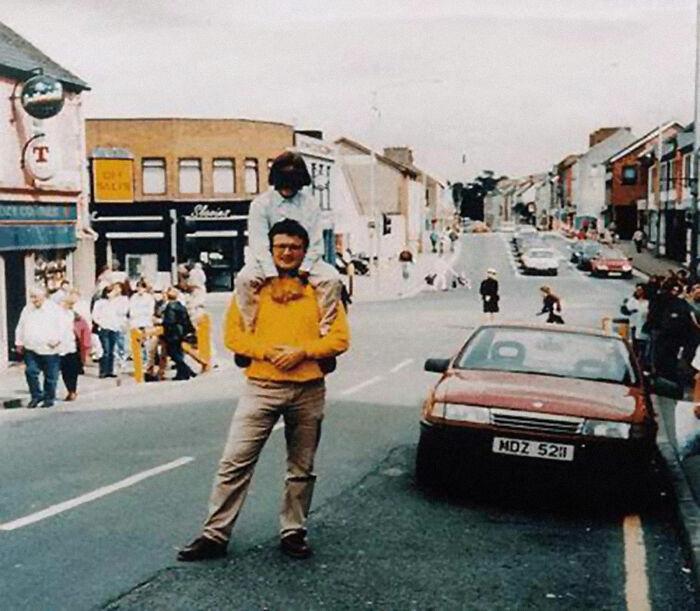 Padre e hija en Omagh, Irlanda del Norte