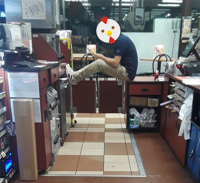 Lazy Coworker Decided He Was Too Good To Help Ring Up A Line Of 5 People. Left Me High And Dry To Deal With Frustrated Customers
