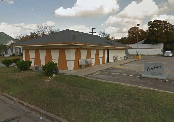 According To Locals, This Funeral Home Used To Be A Pizza Hut