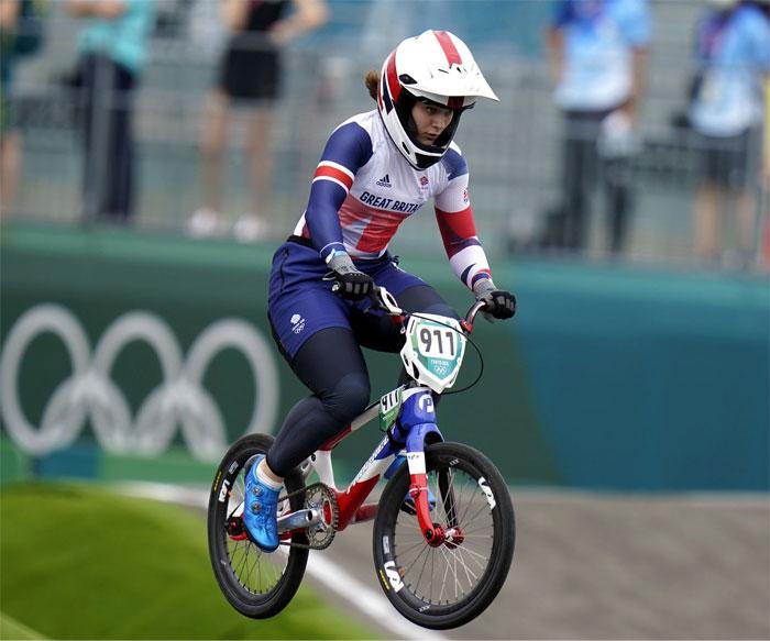 Esta medallista de oro en BMX tuvo que recaudar fondos para ir a los Juegos Olímpicos después de que le cortaran la financiación para apoyar a los corredores masculinos