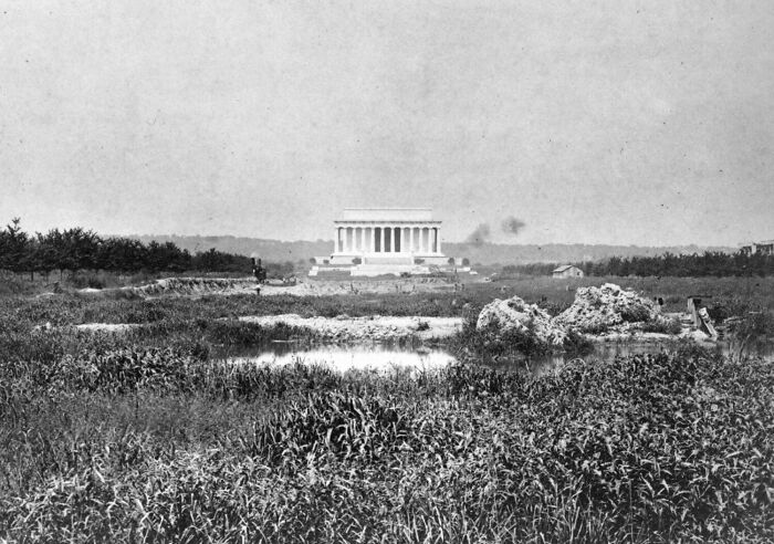 Lincoln Memorial Before The Reflecting Pool