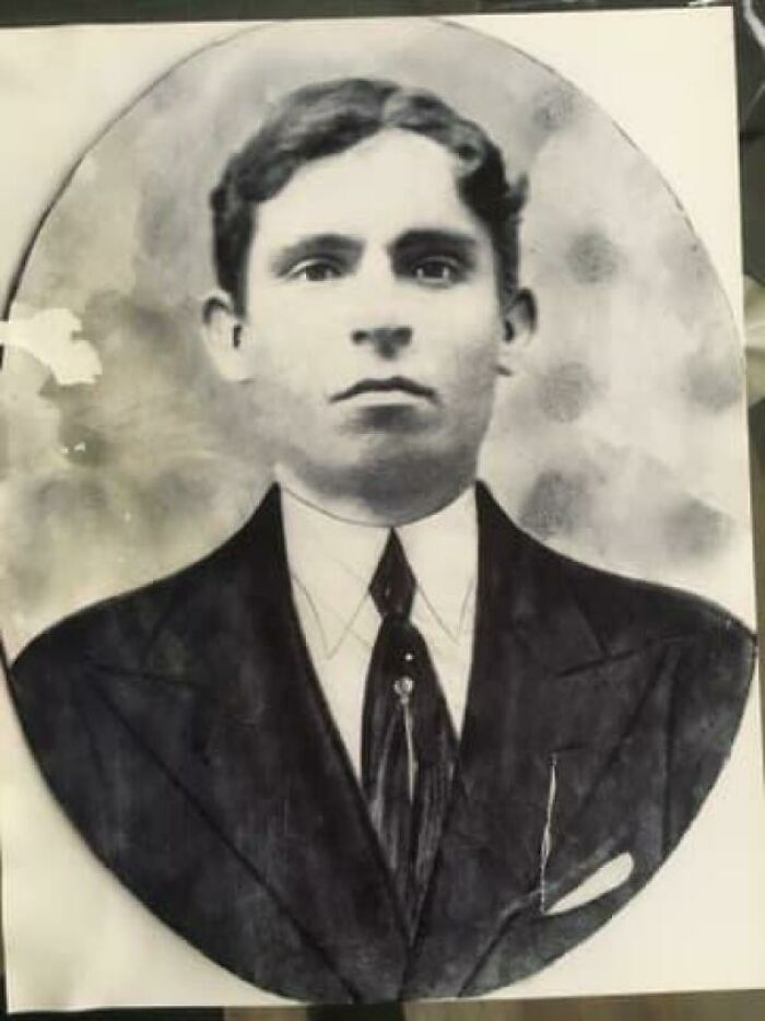 My Great-Grandfather That Was Too Poor To Afford A Suit In Sicily, So He Had To Pose In Front Of A Cardboard Cut-Out, 1930s~