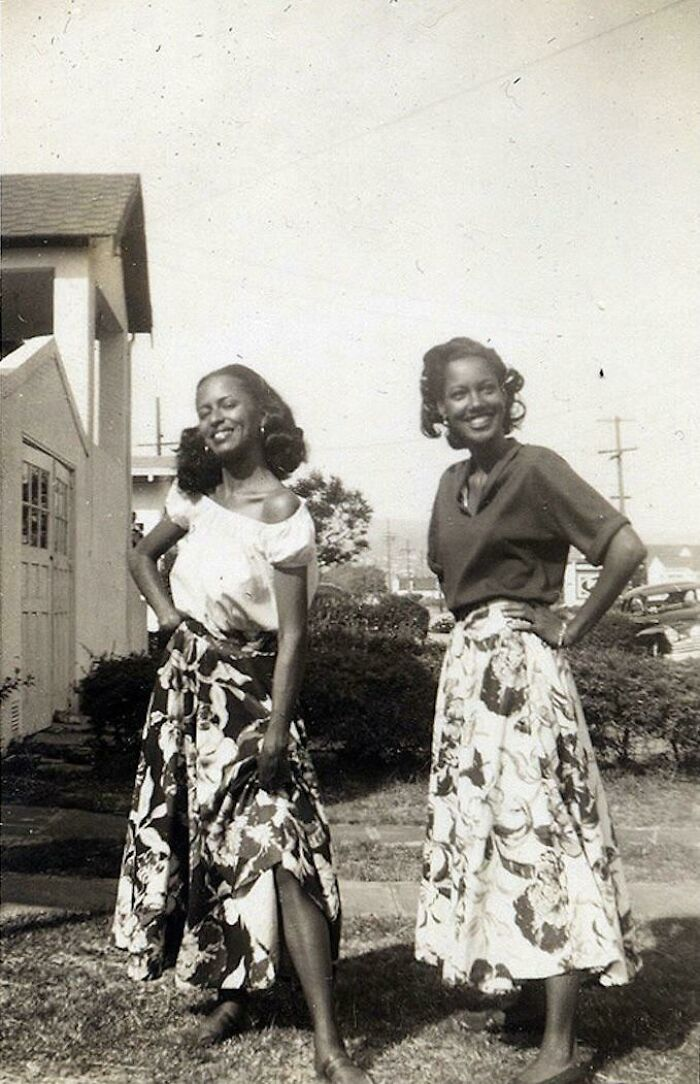 Sisters In Skirts, 1950s
