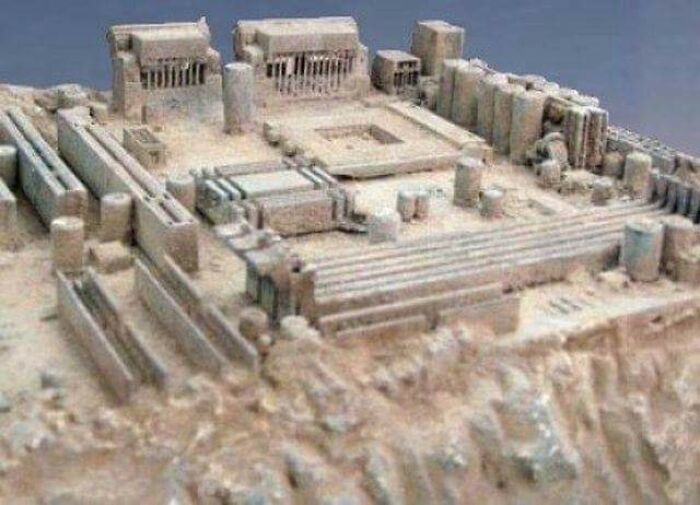 This Old Motherboard Looks Like An Egyptian Temple