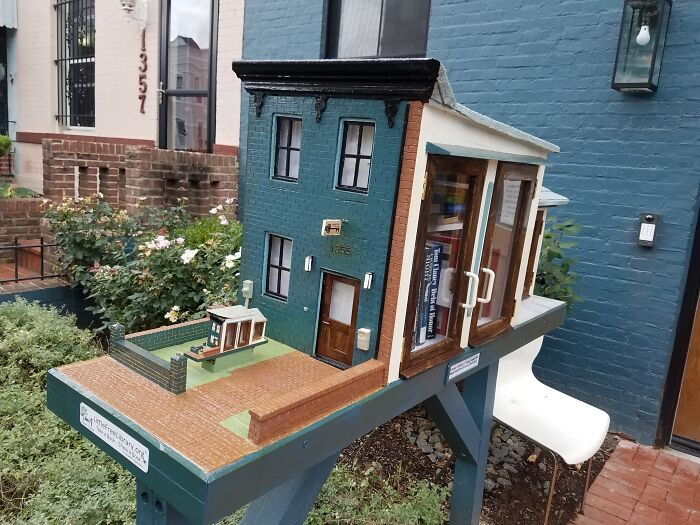 Townhouse In Dc Has A Cute Little Model Townhouse In Its Front Yard (And The Model Has Its Own Model!)