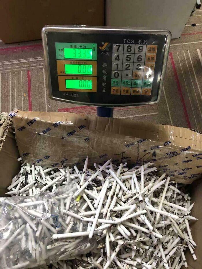 33 Kilos de lápices de Apple que se partieron por la mitad