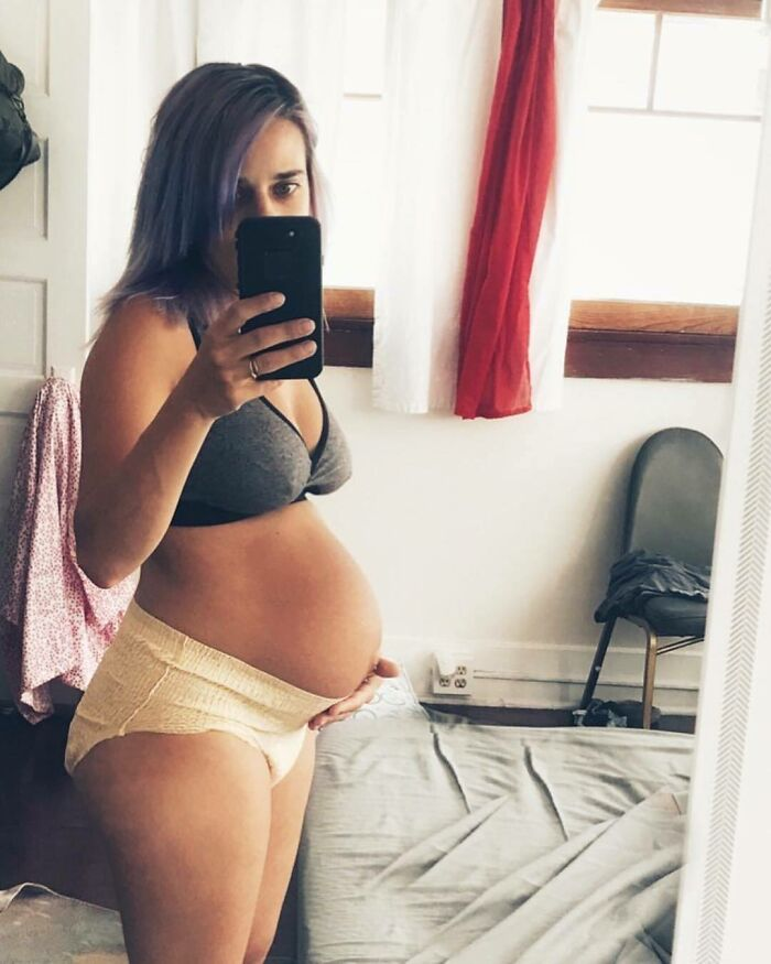 30 Honest Photos Of Post-Baby Bodies That Women Are Sharing To Reveal The Truth That Few People Talk About (New Pics)