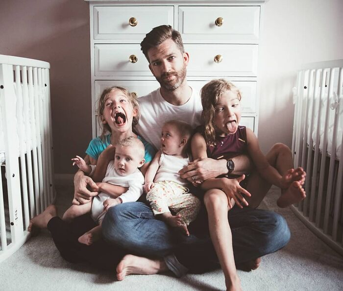Father Of 4 Daughters Refuses To Sugarcoat His Instagram Pics, Has A Massive Following Online (New Pics)