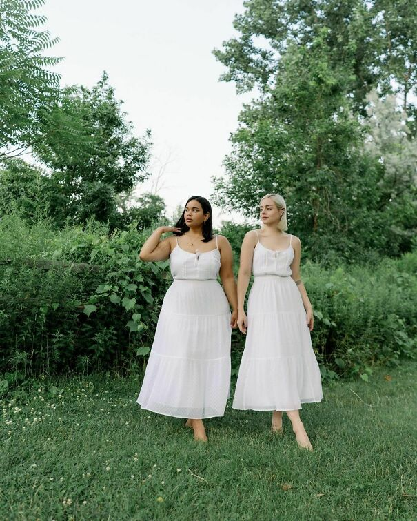 How Gorgeous Is This Summer Dress!? The @abercrombie Collab, A Series Of Co-Created Influencers Collection And Here Is The Second Collection By The Belbel Twins @alexis.belbel & @samanthabelbel! Their Pieces Are Too Cute So Make Sure To See The Rest! Use My Code Afdenise And Get 15% Off! #abercrombiepartner