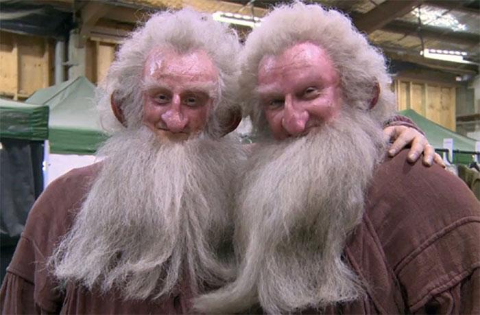 Ken Stott y su doble de riesgo, Peter Dillon, en el set de El hobbit