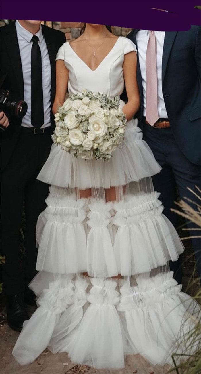 Vi este vestido en el sitio web de unos fotógrafos de bodas y supe de inmediato que tenía que compartirlo con ustedes