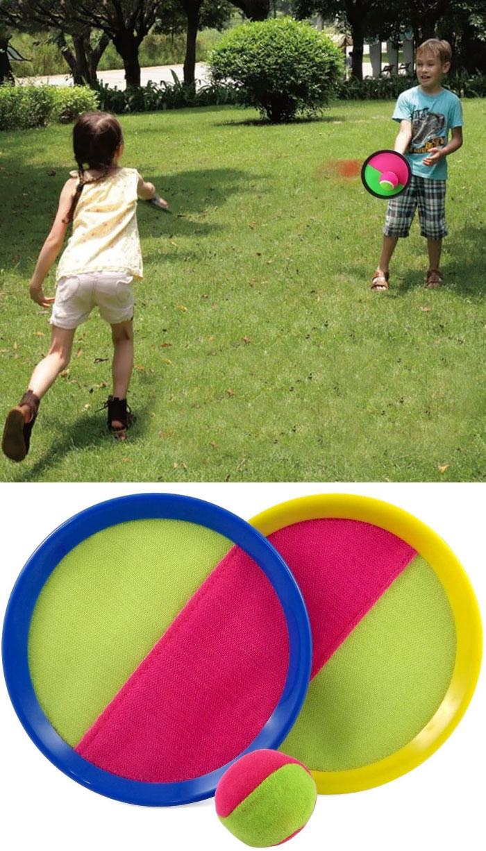 La pelota con velcro