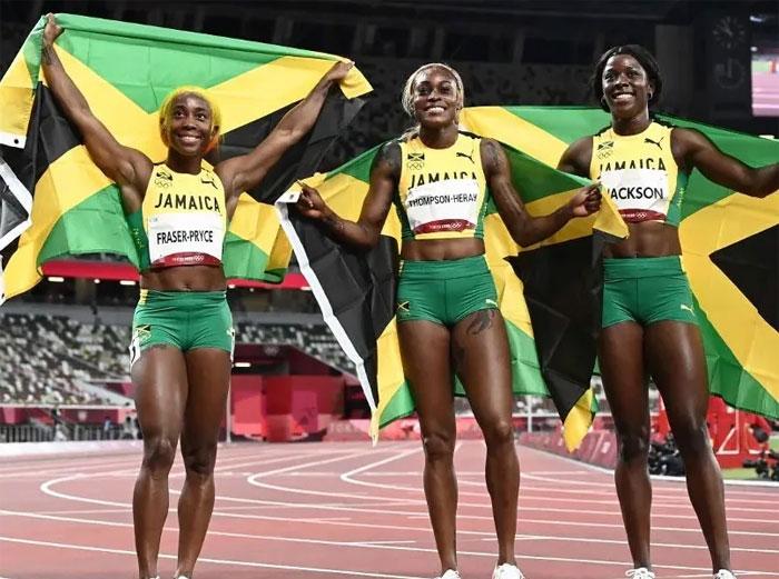 Jamaica se lleva el oro, la plata y el bronce en la final de los 100 metros lisos femeninos en los Juegos Olímpicos de Tokio 2021
