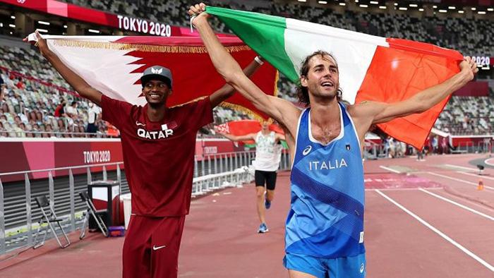 Los saltadores de altura Mutaz Essa Barshim y Gianmarco Tamberi compartieron la medalla de oro, algo que no ocurría desde 1912