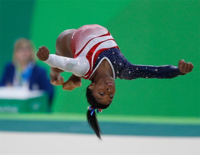 Simone Biles decide retirarse de los Juegos Olímpicos para cuidar su salud mental
