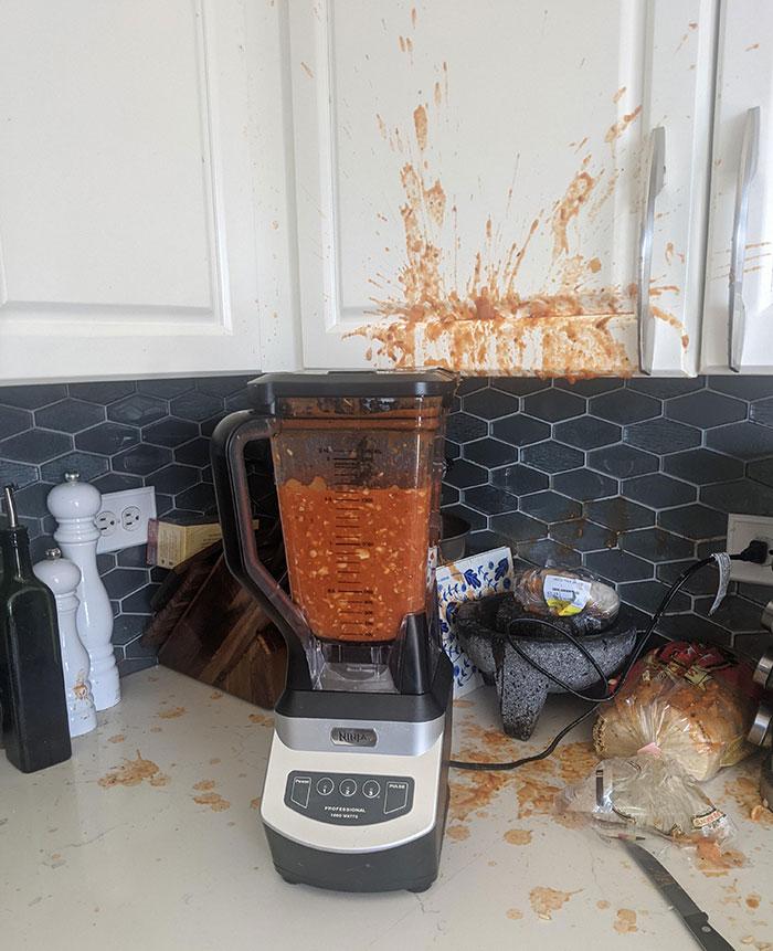 Al techo también le gustó la sopa de tomates