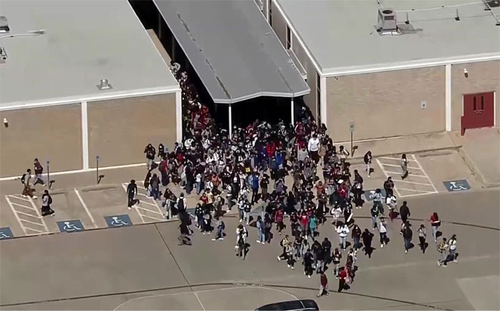 """""""I Was Freaked. The Kids Were Freaked Out"""": Students Stage A Massive Walkout After A Lesbian Teacher Is Escorted Off Campus"""