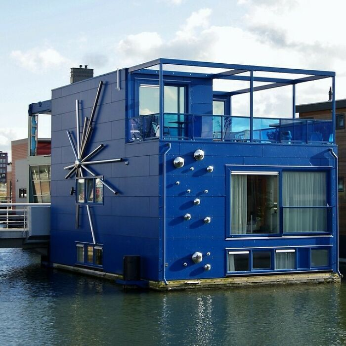 It's Very Hot In Holland So It's An Appropiate Time To Post An Ugly Dutch House On Water!