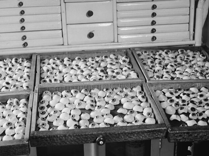 1938 - Trays Of Artificial Eyes