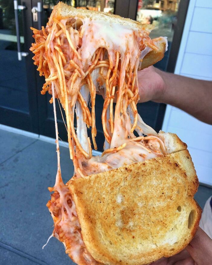 Sándwich de spaghetti