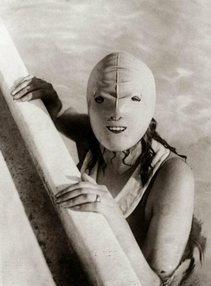 A Full-Faced Swimming Mask Designed To Protect Women's Skin From The Sun In The 1920s