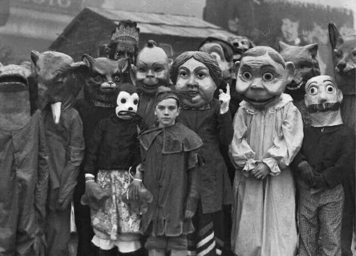 Halloween Costumes From The 1930s