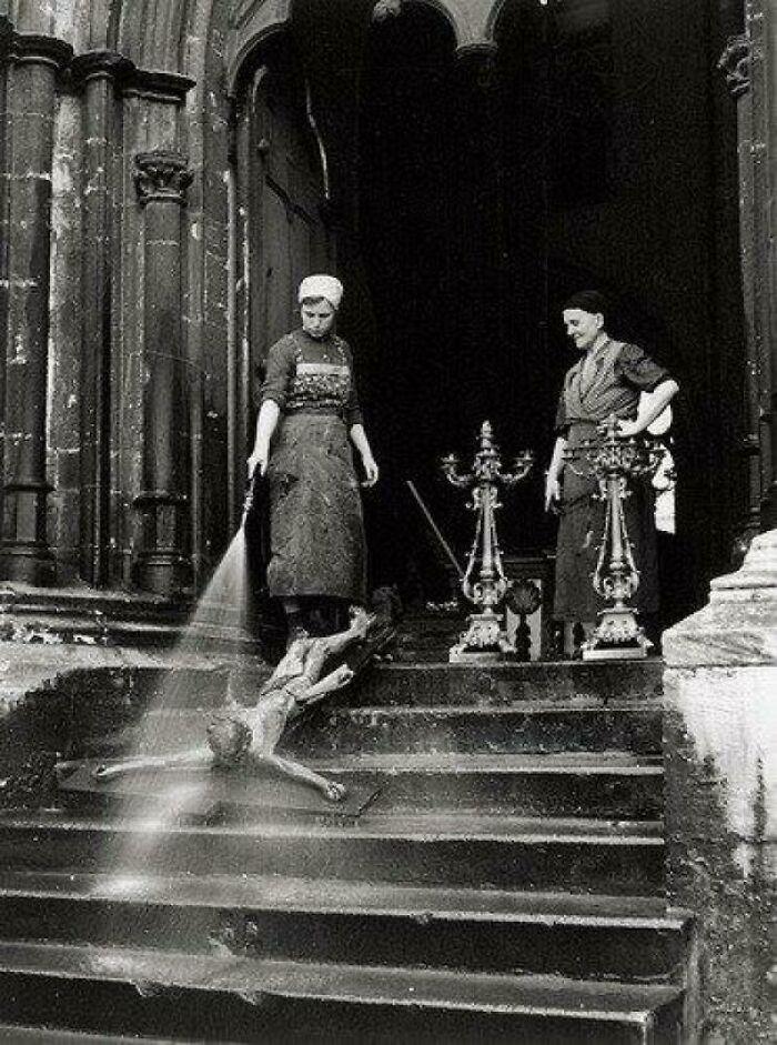 Washing A Crucifix, 1938