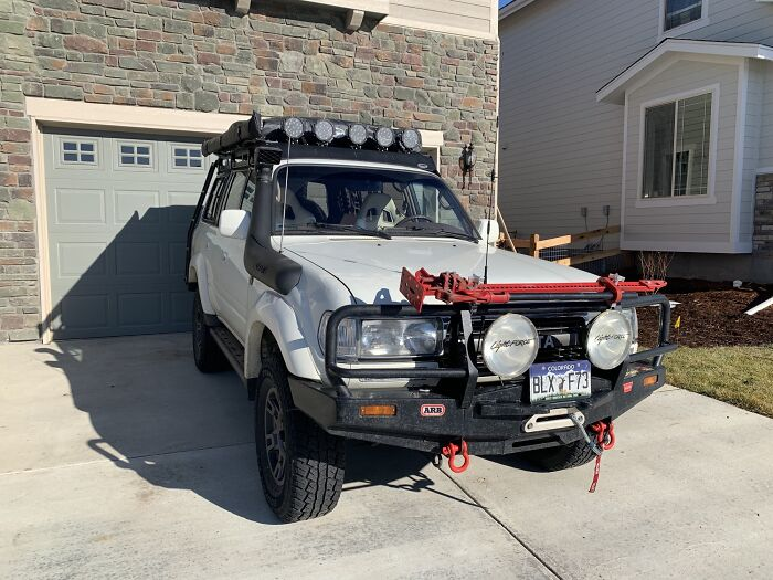 The Legendary 90's Toyota Land Cruiser. 24 Years Old And Only Needs Routine Maintenance