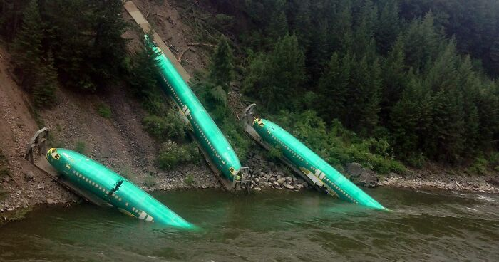 July, 2014: Brand New Boeing 737 Fuselages Wrecked In A Train Derailment, Montana