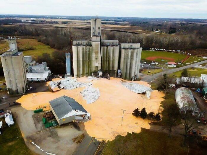 $1,250,000 Worth Of Corn Spilled After Silo Collapse In New Carlisle, Ohio On Jan 28, 2018