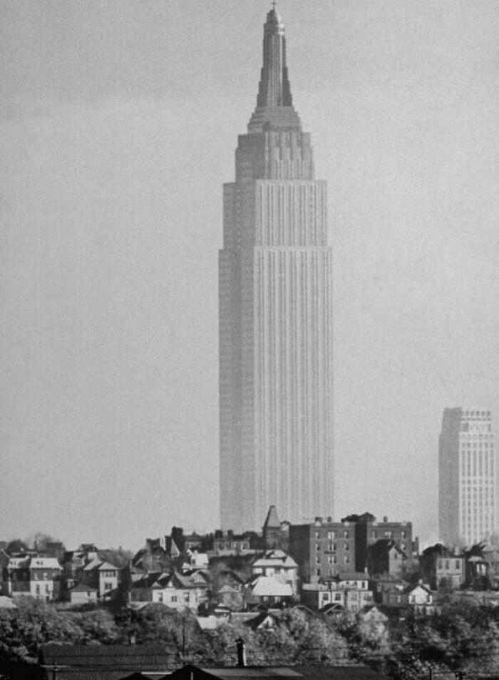 Esta foto del Empire State Building tomada desde New Jersey me da una sensación extraña