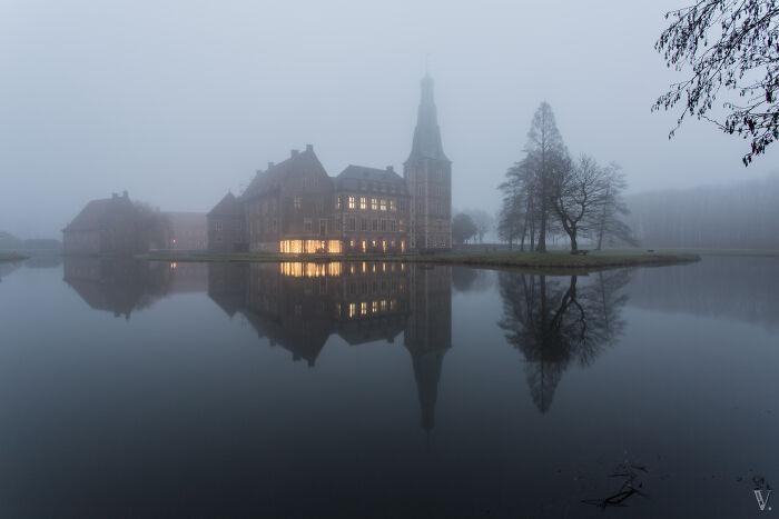 Castillo de Raesfeld con niebla. ¡Qué ambiente!