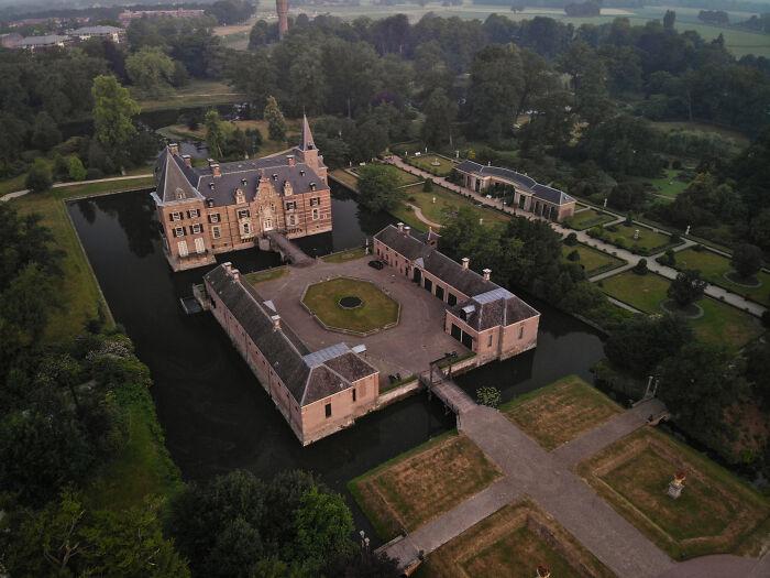 El castillo de Twickel desde arriba. Pasé muchas horas de mi infancia alrededor de esta belleza