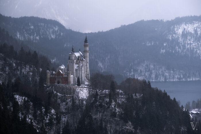 El castillo de Neuschwanstein desde un ángulo menos conocido. Requirió un viaje en teleférico