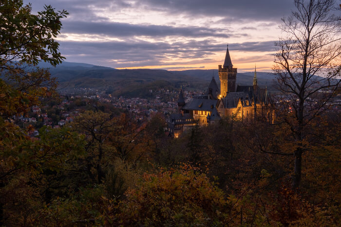 El castillo de Werrnigerode en una deliciosa tarde de otoño