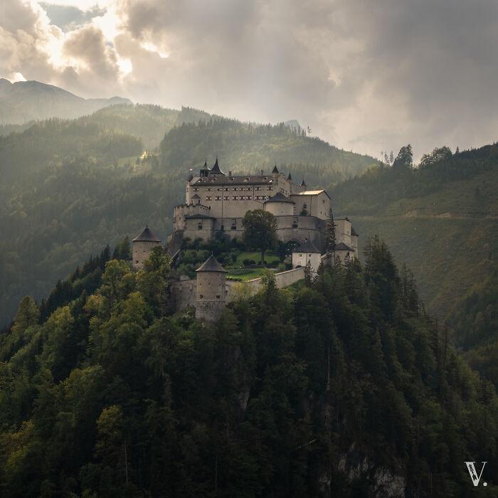 Burg Hohenwerfen. Algunos reconocerán esta belleza de la película clásica 'Where Eagles Dare'