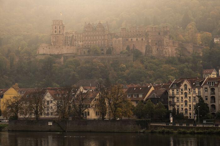 Schloss Heidelberg con vistas al centro histórico de la ciudad (donde fui a tomar un café minutos después de tomar esta foto)